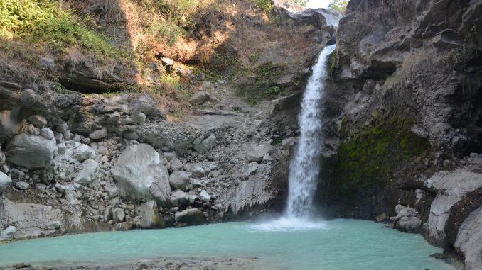 tempat-wisata-lombok-air-terjun-madu